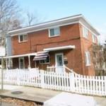 Townhouse in 5011 8th Rd S Arlington VA 22204