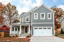 A Single family house in 3127 13th St S Arlington VA 22204