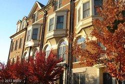 Townhouse at 1806 Potomac Greens Dr Alexandria VA 22314