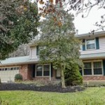 A Single family house in 2304 Creek Dr Alexandria VA 22308