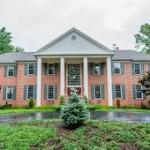 A Single family house in 7519 Clifton Rd Clifton VA 20124