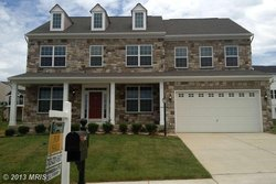 A Single family house in 14933 Spriggs Tree Ln Woodbridge VA 22193