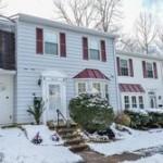 Townhouse in 6043 Sweet Oak Ct Springfield VA 22152