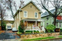 A Single family house at 321 Raymond Ave E Alexandria VA 22301