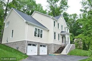 Single-family house at 3827 Linda Ln, Annandale, VA 22003