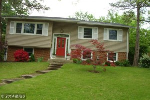 Single-family house at 5908 King James Dr, Alexandria, VA 22310