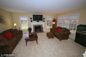 Single-family house at 6805 Mount Olive Ct, Centreville, VA 20121