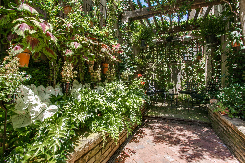 Dennis_vertical garden